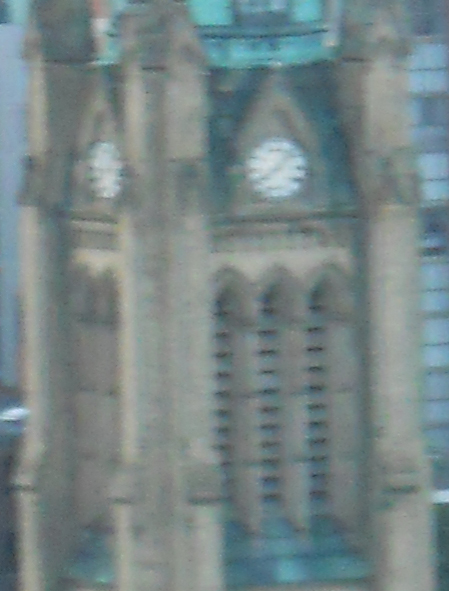 This is the actual full-size image of the steeple at screen resolution (72 pixels per inch) from the Coolpix, zoomed in.